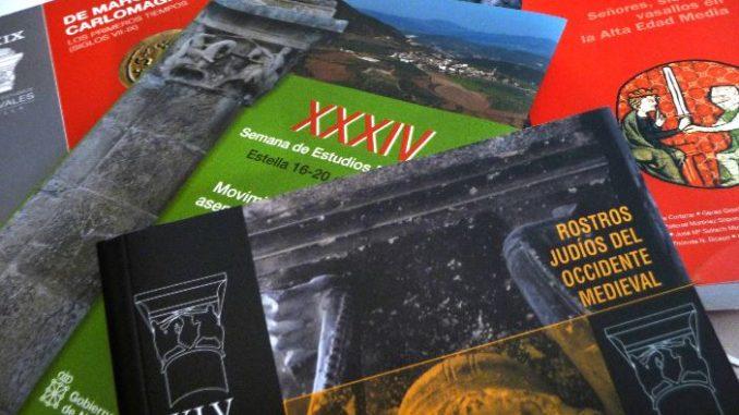 montón de libros sobre estella medieval